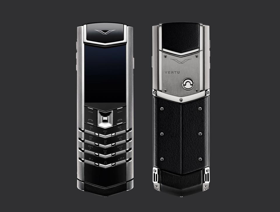 Vertu Signature S Design RM-466V